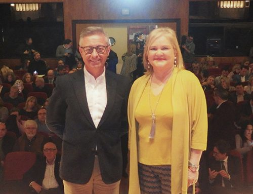Ferran Garrido presenta 'Reflejos' su segundo poemario, más íntimo y maduro