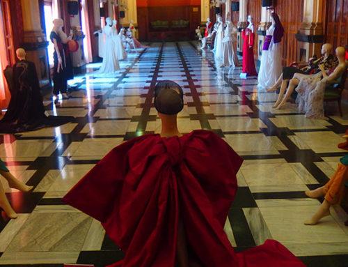 La exposición de moda 'Rediseñando la Ruta de la Seda', un éxito de crítica y público