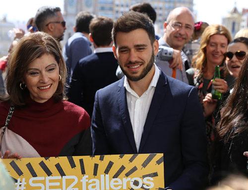 Pirotecnia Valenciana homenajea al Valencia CF con el Naranja y un final apoteósico
