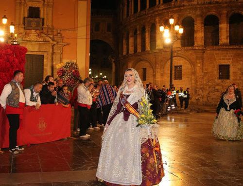 Tercera ofrenda floral del Ateneo Mercantil a la Mare de Déu dels Desamparats