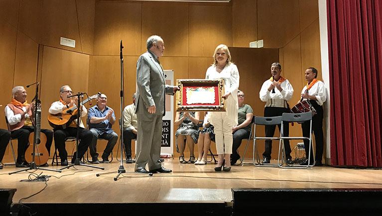 El Ateneo recibe el premio Obrint Camí de laAssociació d'Estudis del Cant Valencià