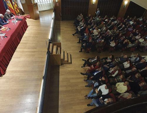 Font de Mora presenta sus poemarios 'solidarios', ya que el dinero irá destinado a FUVANE