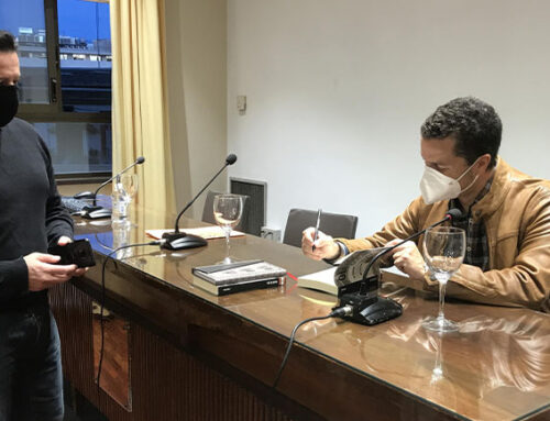 La obra ganadora del II Premio Nacional de Novela Ateneo Mercantil 'Olivos de Cal' de Fran Toro se presenta en sociedad en el Salón Sorolla
