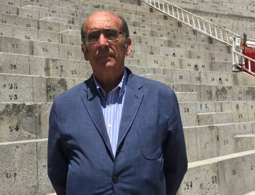 """El ganadero Adolfo Martín, en la Tertulia Taurina del Ateneo: """"Ha sido un año muy duro, he tenido que sacrificar toros"""""""