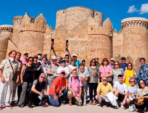 Los socios del Ateneo Mercantil viajan a La Mancha en busca de las huellas del Quijote y del Cid
